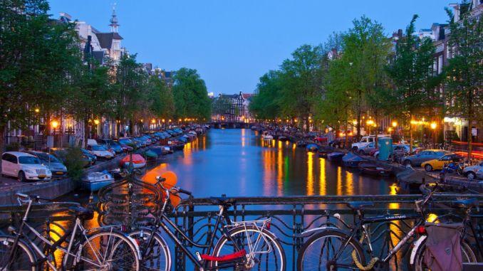 bilden föreställer en cykel i Amsterdam